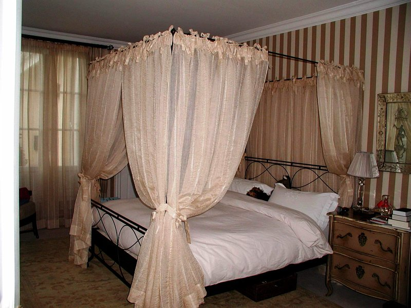 rideau de lit my blog. Black Bedroom Furniture Sets. Home Design Ideas